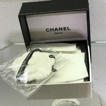VONW3Q New CHANEL Ceramic Camellia Perfume Exclusif Diffuser Blotter Bag Charm gift box