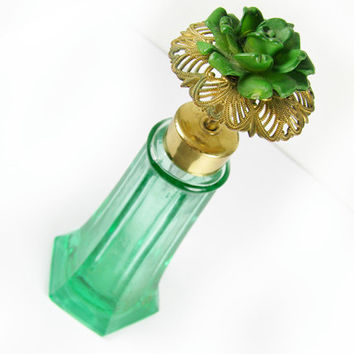 Vintage I Rice Green Flower Perfume Bottle / Vintage Green Rose Topper Perfume Bottle, Collectible - Bouteille de Parfum Fleur.