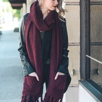 Elise Burgundy Two Pocket Chunky Knit Tassel Scarf