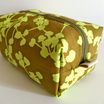 Boxy Bag Cosmetic Bag Toiletry Bag Travel bag Makeup Bag in Olive Coriander
