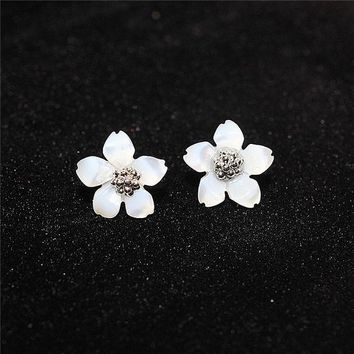 ONETOW 925 Silver Stylish Floral Earrings [8740028359]