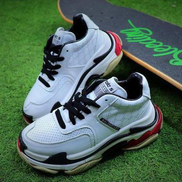 ONETOW Balenciaga Triple S Sneaker White Black Shoes