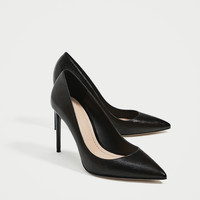 BLACK METALLIC COURT SHOES DETAILS