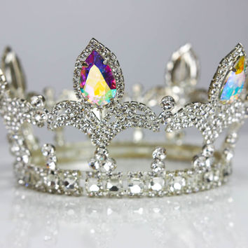 YAS Queen Crown