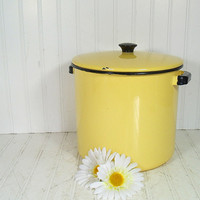 Vintage Black on Butter Yellow EnamelWare Large Stock Pot - Matching Lid & Meat Riser - Retro Mid Century CookWare - Shabby Chic Farmhouse