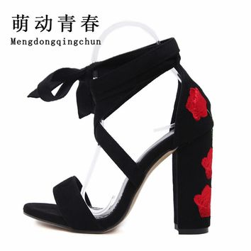 2017 New  Women Gadiator Summer Boots Strappy  Bandage Lace Up  High  heel Pumps cut out Manual Embroidery Sandals