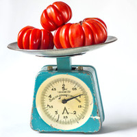 Mid century kitchen scale, Soviet scale teal shade, enamel metal kitchen scale, vintage scale capacity 5 kg working, home decor scale retro