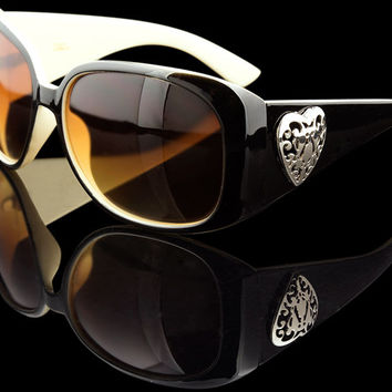 "Womens's Round Luxury Heart Sunglasses ""Barcelona"""