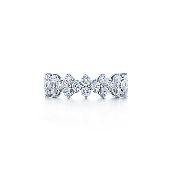 Tiffany & Co. - Tiffany Aria ring of diamonds in platinum.