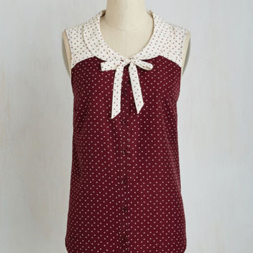 Vintage Inspired Mid-length Sleeveless Fashionably Elate Top in Burgundy