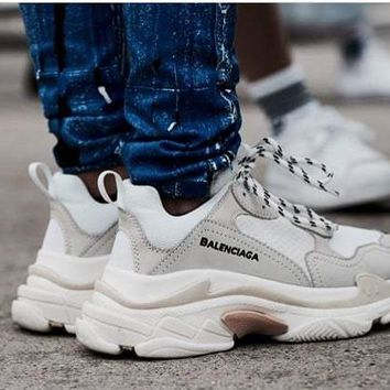Balenciaga Trending Women Men Casual Sport Running Shoe Couple Sneakers Grey White I