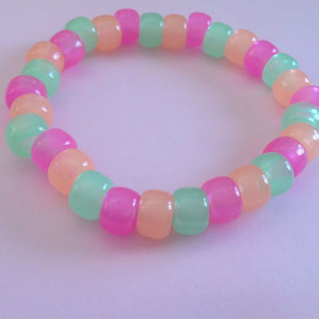 Glow in the dark pastel coloured pony bead bracelet