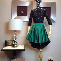 Black Lace Long Sleeve Blouse with Green Dovetail Pleated Skirt