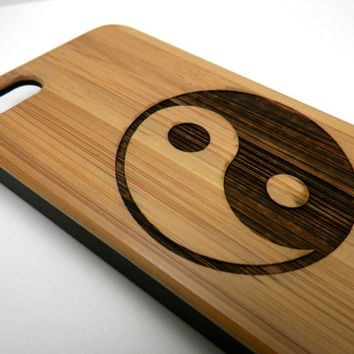 Yin Yang iPhone 5 5S Bamboo Case - Chinese Taoism Symbol Spirituality Zen. Eco-Friendly Wood Cover Skin. FREE SHIPPING
