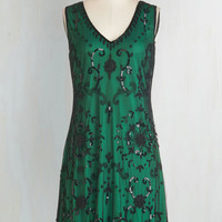 Vintage Inspired Mid-length Sleeveless Shift Bead It Dress in Emerald