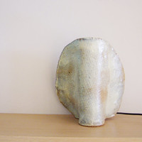 Ceramic table lamp, fan shaped table lamp, made of a stoneware clay slab in creamy white, ceramic sculpture with a lamp
