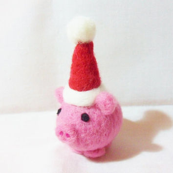 Needle Felted Christmas Pig - Christmas Ornament - 100% merino wool - needle felt pig - Christmas pig