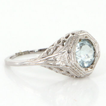 Vintage 14 Karat White Gold Aquamarine Filigree Right Hand Ring Estate Jewelry