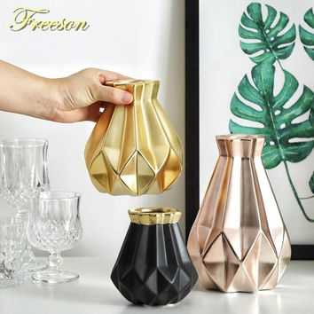 Europe Gold Matt Diamond Porcelain Vase Modern Fashion Ceramic Flower Vase Room Study Hallway Home Wedding Decoration
