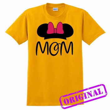 2 MOM Minnie Mouse for women for shirt gold, tshirt gold unisex adult