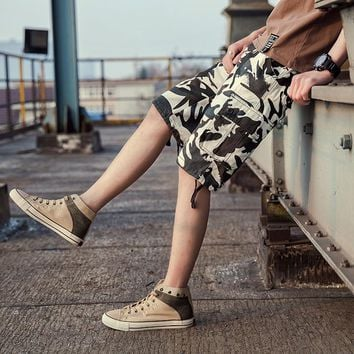 DUQI New Arrival Summer Knee Length Casual Shorts Men Camouflage High Quality Loose Multi Pockets Plus Size Cargo Shorts Male