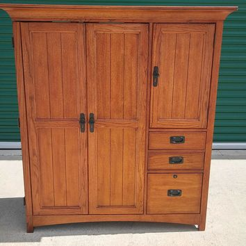 #2589 - Solid Wood Computer Hutch - Brown