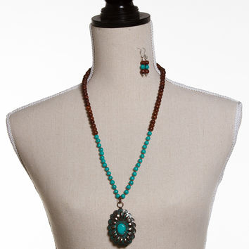 Beaded Pendant Necklace Set