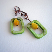 Shell earrings, geometric earrings, minimalist jewelry, green yellow, rectangular earrings, bohemian jewelry, boho, glass bead earrings