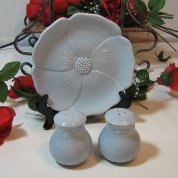Vintage Blue Country Gate salt pepper shakers & Dish