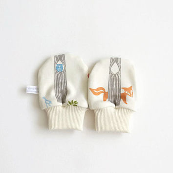 Newborn scratch mitts. NB mittens with cuffs. Baby shower gift. Organic knit fabric with woodland animals. No scratch baby mitts