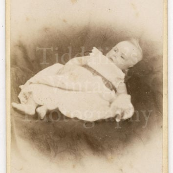 CDV Carte de Visite Photo Victorian Baby Portrait by Chambers & Co. of Glasgow Scotland