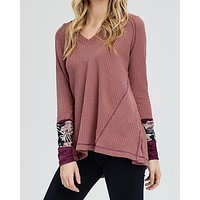 waffle knit v neck with contrast printed sleeves - mauve