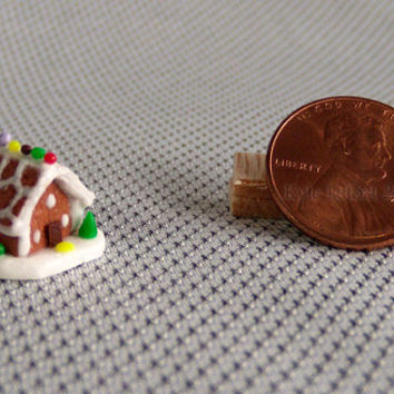 Quarter Scale Dollhouse Gingerbread House - Christmas Miniature Decoration - 1:48 scale - Scalloped Roof