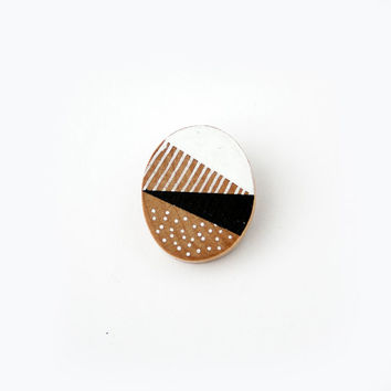 graphic print wooden brooch - no.28