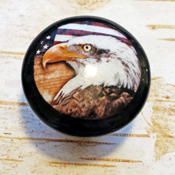Set of 4 Handmade Wood Knobs Drawer Pulls, Eagle and American Flag Cabinet Pull Handles, USA Constitution Dresser Knobs, Made to Order