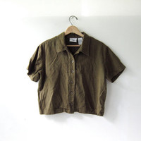 90s olive green linen top. cropped green shirt. short sleeved shirt. button front top.