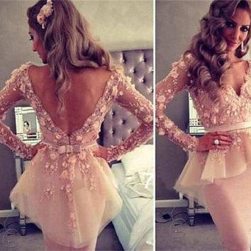 2016 Sexy Sheer V-neck Long Sleeves Mermaid Appliques Lace Knee Length Sheath Party Dresses For Women Cheap Cocktail Dresses