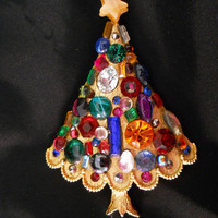 Vintage Christmas Tree Pin - Colorful Christmas Brooch - One of a Kind Upcycled Vintage