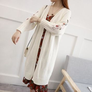 Autumn Flower Embroidered Medium Style Knitted Cardigan Fashion Women Clothing Loose Sweater All Matched Knitwear Jersey Coat