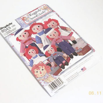 NIP Raggedy Ann & Andy Doll Pattern | Simplicity #8043 Rag Doll Pattern In Three Sizes | Factory Folded Retro Raggedy Ann Pattern