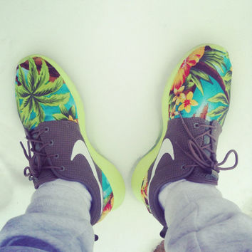 Custom Roshe Run - Iguana Green / Hawaiian Floral Print