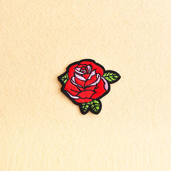 Rose patch - Iron on patch -Sew On patch - Embroidered Patch (Size 6cm x 5.5cm)