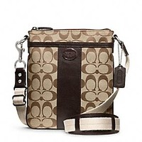 LEGACY SWINGPACK IN SIGNATURE FABRIC