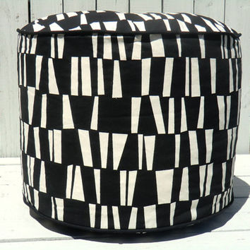 Black geometric pouf, round ottoman 18, black floor cushion , bean bag chair, foot rest