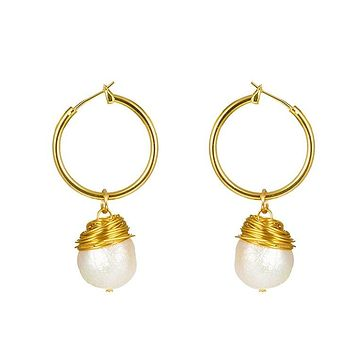 Small Gold Hoop Earrings with Drop Baroque Freshwater Pearls