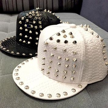 Trendy Winter Jacket 2015 New Arrive Solid Leather Snakeskin grain Rivet Luxury Hats For Unisex Casual Hip Pop Hats Fashion Baseball Cap Snapback AT_92_12