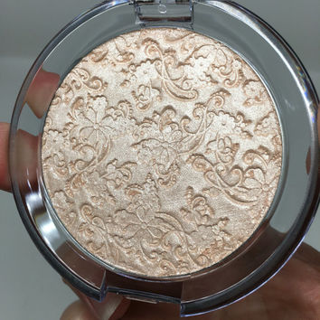 JUMBO Pretty in Champagne Pressed Highlighter Face & Eye Highlight Powder