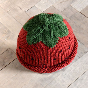 Strawberry hat for Newborn and 3M Babies by beliz82 on Etsy