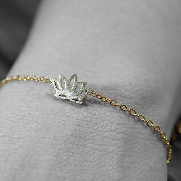 Gold plated stainless steel lotus flower adjustable chain bracelet (BR00011)