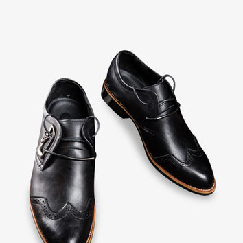 Brogue Pointed Dress Loafers In Black